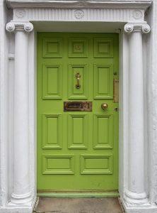 Врата зелен цвят