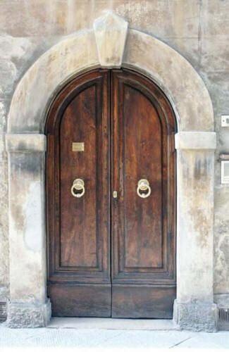 Входна врата в Италия