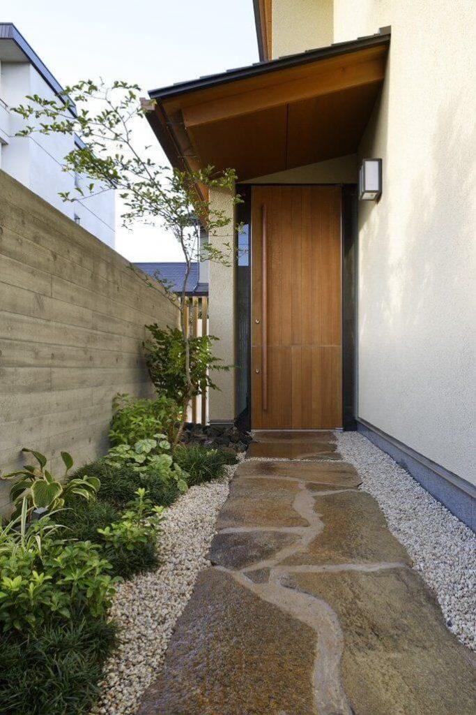 Модерна входна врата от Япония 2020